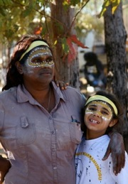 Aboriginal guide and business owner Tess Atie with her daughter Amelia